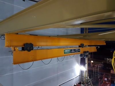 2.7m Runout crane with 3.2 tonne lifting capacity for food industry customer's loading requirements