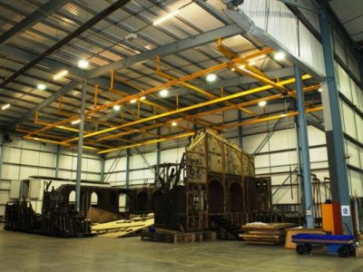 Overhead crane system for entertainment sector